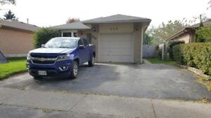 Lovely 2.5 bedroom top level of legal duplex - Oshawa