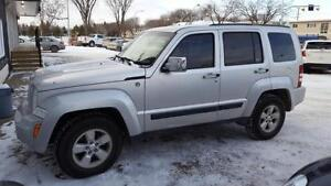 2011 Jeep Liberty sport 4x4...NOBODY GETS TURNED DOWN !!!!