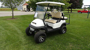 2011 CLUB CAR  GOLF CART W/REAR FLIP SEAT & LIGHTS - LIFTED!!!