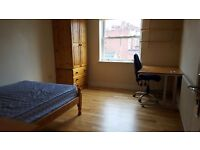 *ATTENTION STUDENTS* One bedroom in purpose-built mews house available now