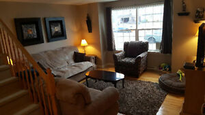 Rm available Apr. 1st - Fully furnished - Upper level - No lease