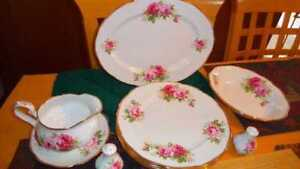 Rare Royal Albert American Beauty 12 Items Large dinner  Plates
