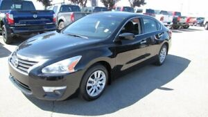 2013 Nissan Altima S $13998 Bluetooth,  A/C,