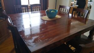 8 Chair Dinning Room Table