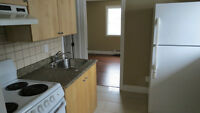 BARGAIN LAST ONE!!!  UWO! Oxford &Wharncliffe 1 bed  Apartment