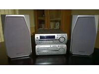 Sharp Stereo System (CD, mini-disc & radio) incl. speakers