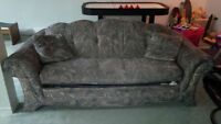 Divan lit / sofa / couch hide a  bed