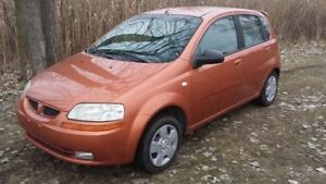 2004 Pontiac Wave Hatchback Windsor Region Ontario image 1