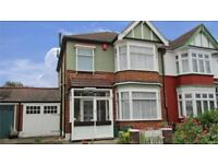Lovely 3/4 bed 2 reception house with 2 bathrooms in Ilford with garden, Ilford Town Centre IG1