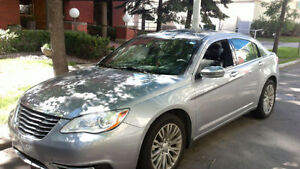 Perfect condition - 2014 Chrysler Limited Sedan V6