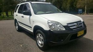2006 Honda CR-V 2005 Upgrade (4x4) White 5 Speed Manual Wagon Tuggerah Wyong Area Preview
