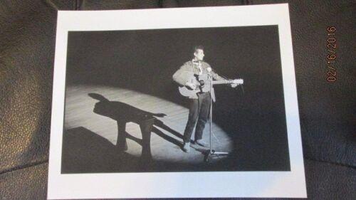 "BOB DYLAN, 8"" X 10"" B&W PHOTO, PROFESSIONAL REPRINT"