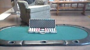 Poker table and chip set