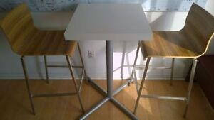 Cape Furniture Bar Stools w/ table