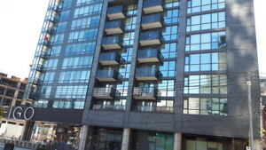 Amazing one bedroom condo with parking downtown Toronto