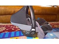 Maxi-Cosi Pebble car seat and raincover