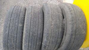 4 pneus 4 saisons de 16 pouces, marque Toyo,pour 35$ l'ensemble
