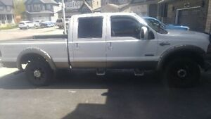 2005 Ford F-250 King Ranch Pickup Truck Diesel 4 x 4