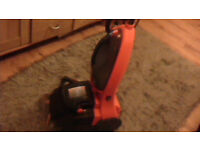 VAX upright cleaner in vgc cleans carpets / sucks up spills