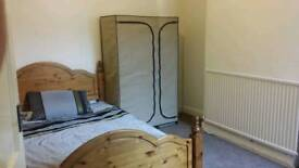 2 double rooms are available to let in fully furnished house