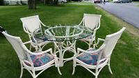 Chaise en cuir / Armoire / Set de patio