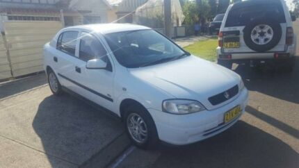 2004 Holden Astra TS MY03 City White 5 Speed Manual Hatchback