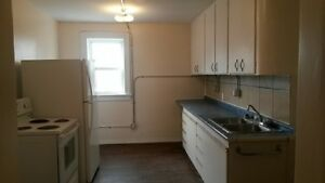 3 Bdrm Suite in Beautiful Character Building  $1000/mth