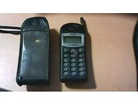 PHILIPS CELLNET OLD STYLE 'BRICK' MOBILE PHONE, IN HOLDER/CASE. VINTAGE