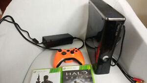 Xbox 360 Slim 40GB...Two games...One controller..Working Great
