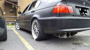 2002 BMW 325XI (All Wheel Drive) **Etested**MUST GO**