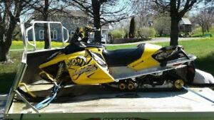 2006 SKIDOO RENEGADE with Trailer