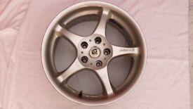 "One Alloy Wheel - ""Intergrale"""