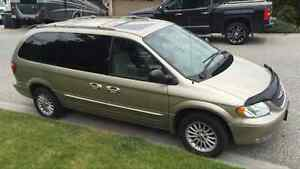 2003 Chrysler Town & Country Limited  (NEW TRANSMISSION)
