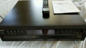 Quality 5 Disc CD Player with Remote and Manual
