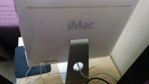 iMac, Apple Keyboard and Apple Mouse