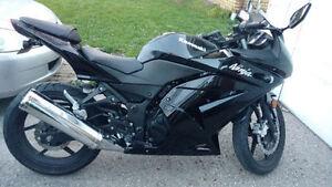 Kawasaki Ninja 250 CC - great condition