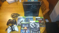 Xbox 360 slim 250 gb + 2 Controllers and 5 jeux