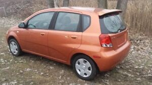2004 Pontiac Wave Hatchback Windsor Region Ontario image 3