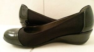 EUC Kenneth Cole Ladies Wedge Shoes