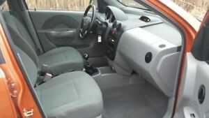 2004 Pontiac Wave Hatchback Windsor Region Ontario image 4