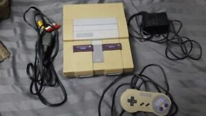 Super Nintendo ( SNES ) Console + Wires & Controller - Tested