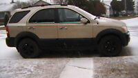 2003 Kia Sorento sport SUV, Crossover only 164 k TRADES or SELL