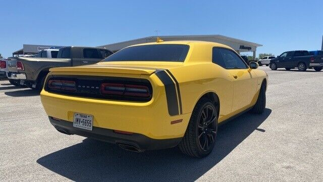Image 4 Voiture American used Dodge Challenger 2017