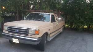 1990 Ford F-250 Extended Cab Lariat Pickup Truck