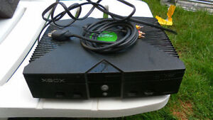 x  xbox very good condition over 35 games all cable included con