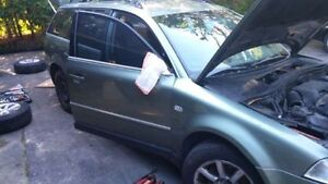 2002 Volkswagen Passat Wagon - 4 MOTION PARTING OUT