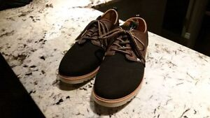 Men's casual shoes. Size 8. Never worn. BRAND NEW.