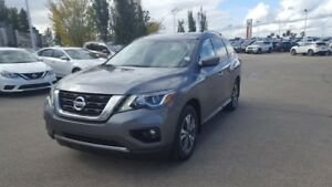 2017 Nissan Pathfinder AWD SV Heated Seats,  Back-up Cam,  Bluet