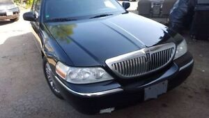 2011 Lincoln Town Car Signature Limited Sedan PROPANE