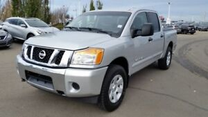 2013 Nissan Titan SV CREWCAB 4X4 Accident Free,  Back-up Cam,  B